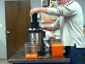 Robot Coupe – J80 Ultra Juicer Demo